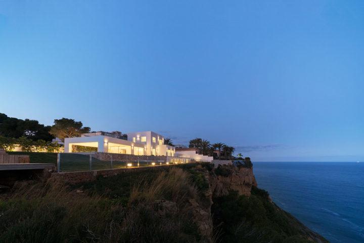 Villen mit Frontal Panoramablick aufs Meer